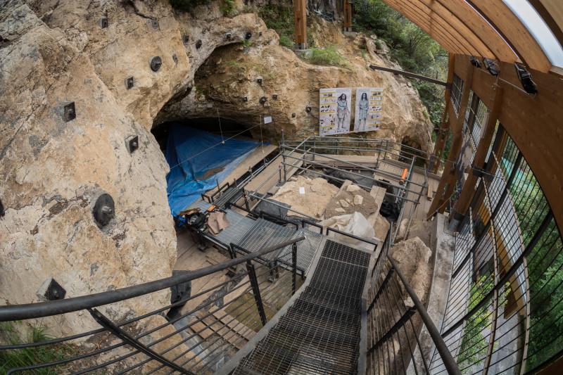 Grotta_di_Fumane_3
